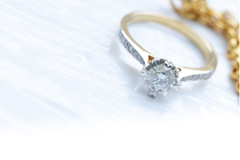 Diamond rings are available with natural or synthetic diamonds.