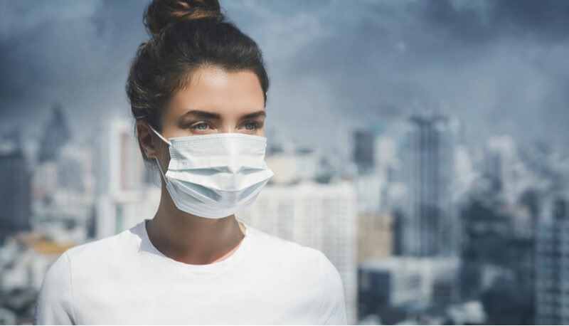 Global pollution levels are decreasing as a result of the coronavirus.